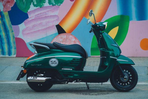 django-13-racing-green-barcelona1D691D8C-FEDA-DCE6-9490-440DB33ADA2D.jpg